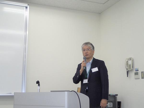 180613トライボコーティング技術研究会02: 講演を行う川邑氏